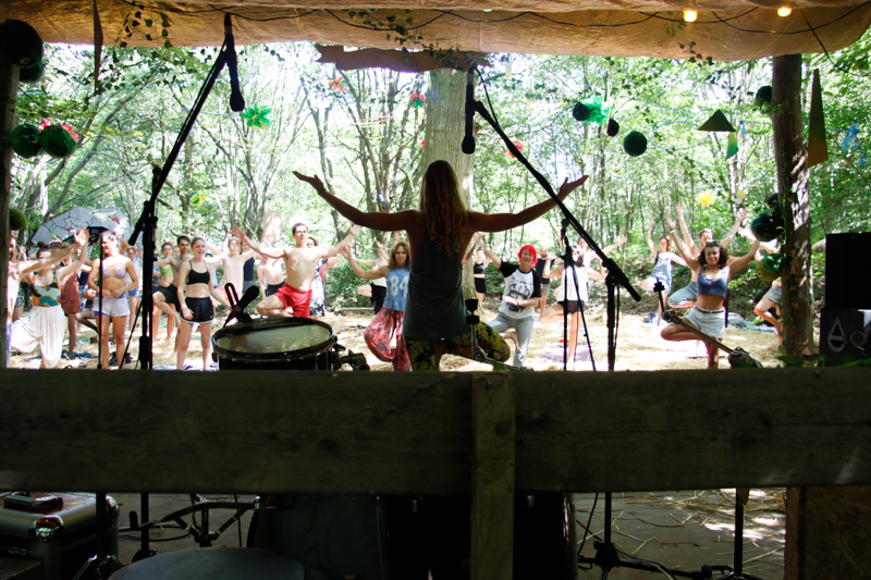 Yoga at Chin Up 2018. Photo by Antony McKenzie